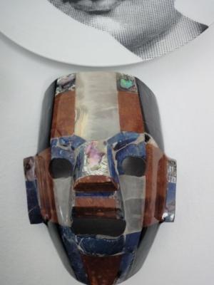 Arts & Crafts masker in patchwork van kleuren blauw, koper en wit H15 | B13